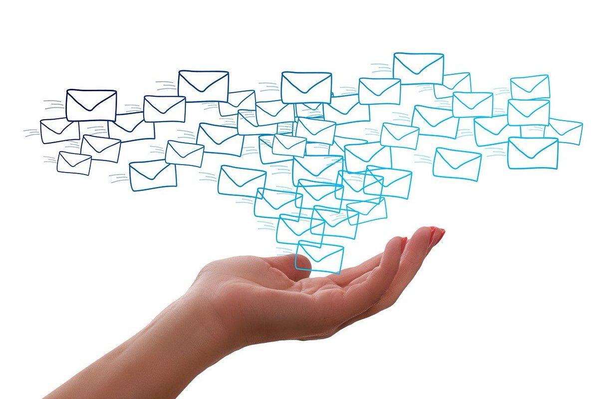 ビジネスで使える英語メール(英文メール)のテンプレート・例文43選